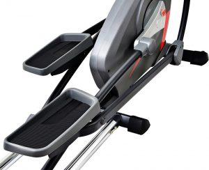 Schwungmasse und Trittflächen des Sportstech CX650